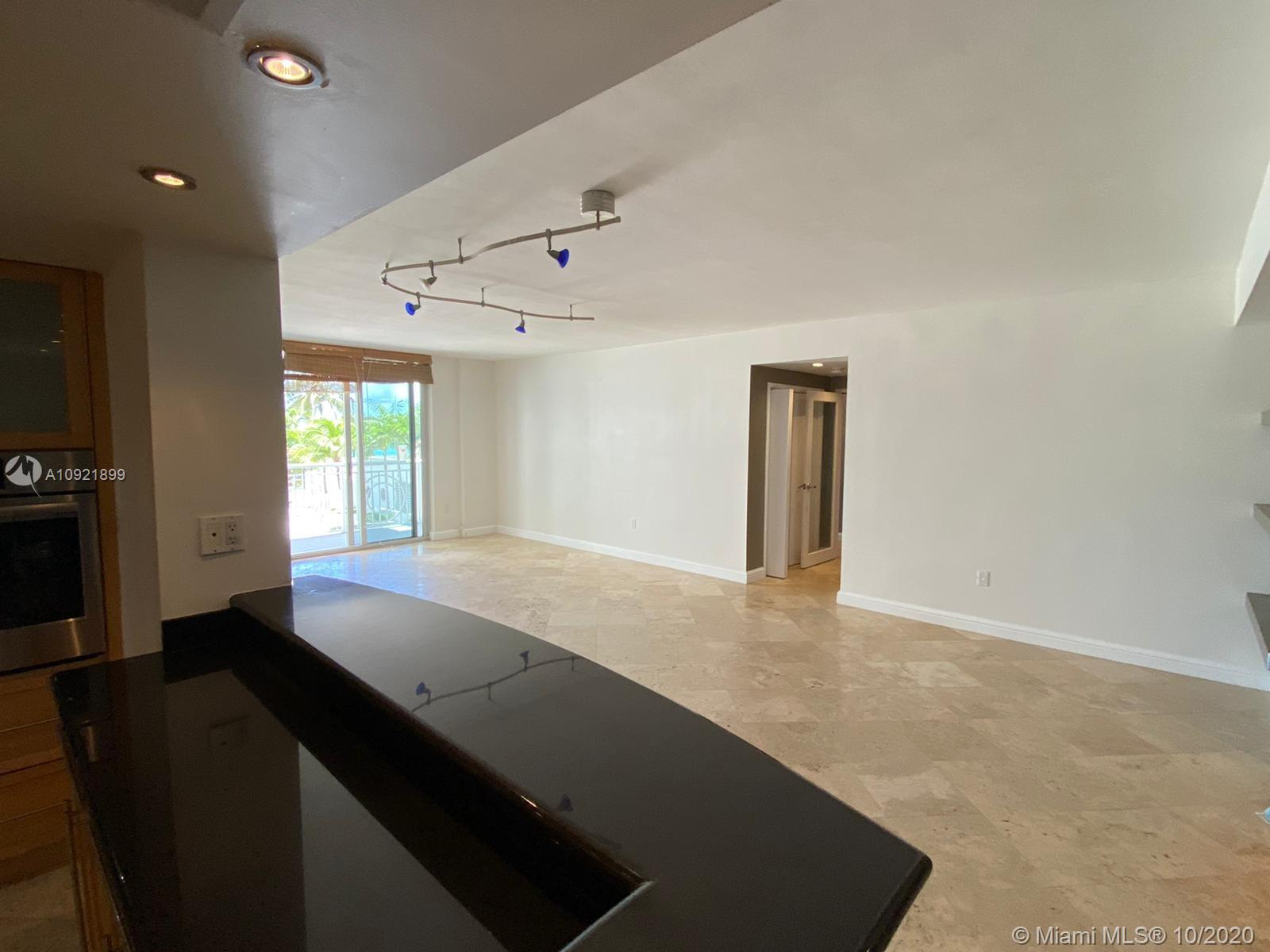 5825 Collins Ave #3K photo09