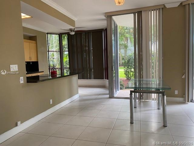 Photo of 3600 Mystic Pointe Dr #107 listing for Sale