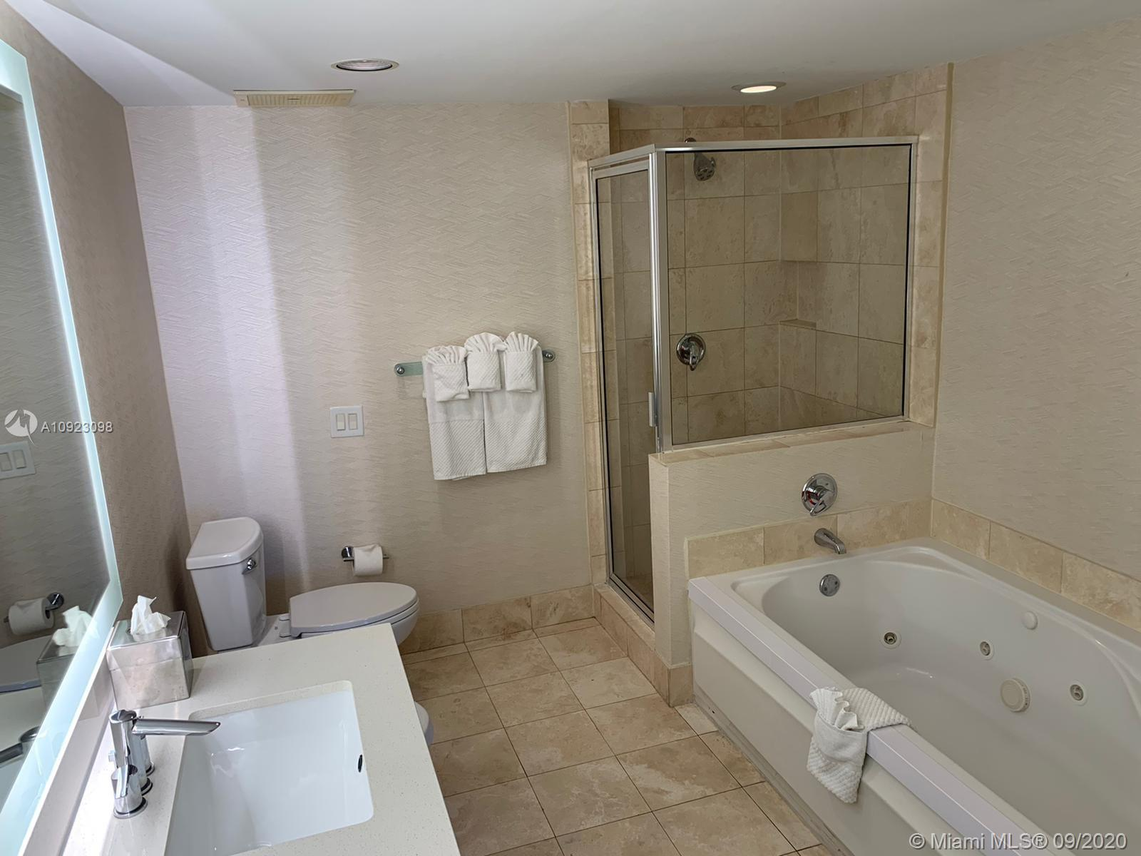 17375 Collins Ave #2408 photo018