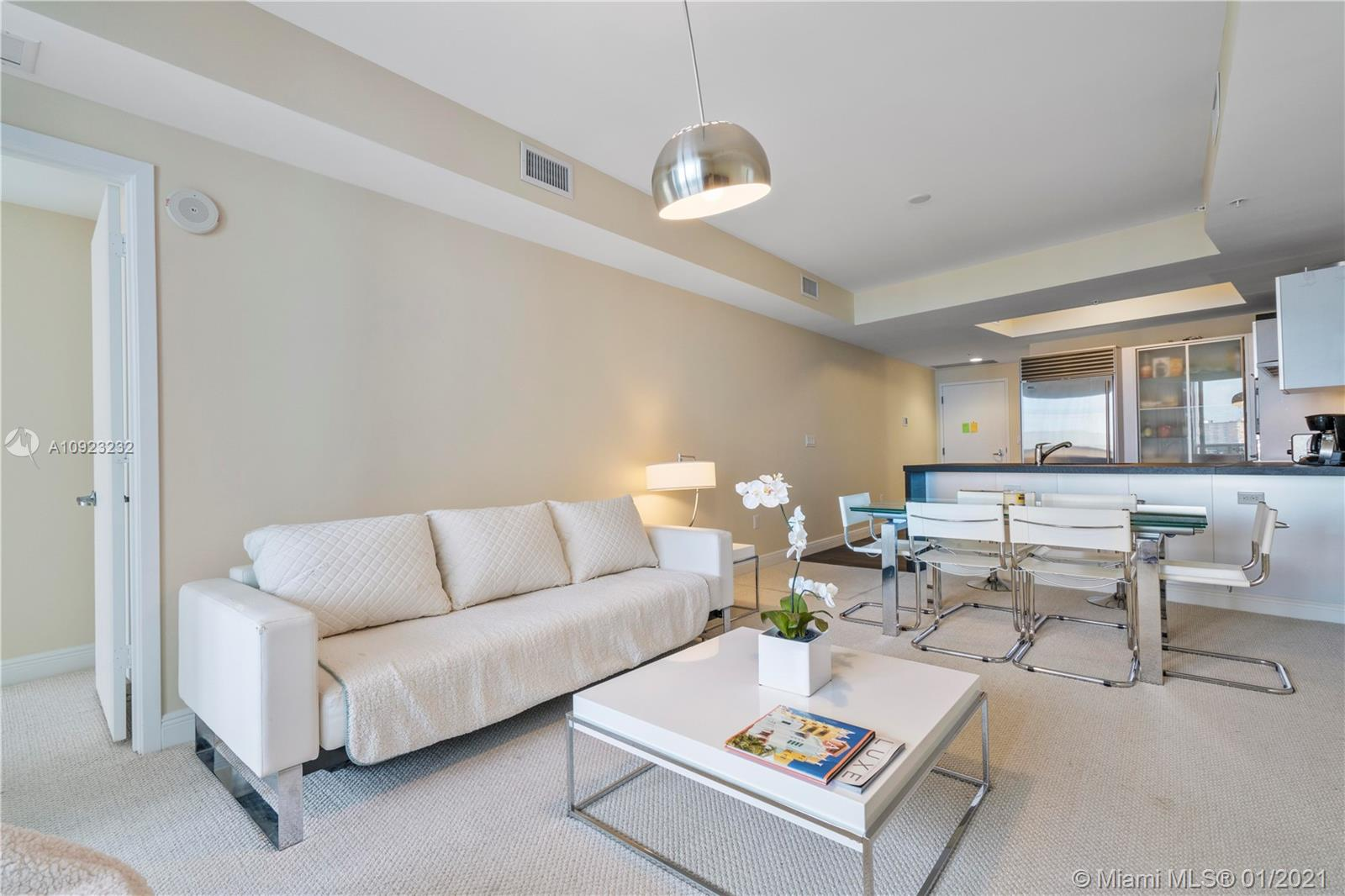 18201 Collins Ave #1407 photo07