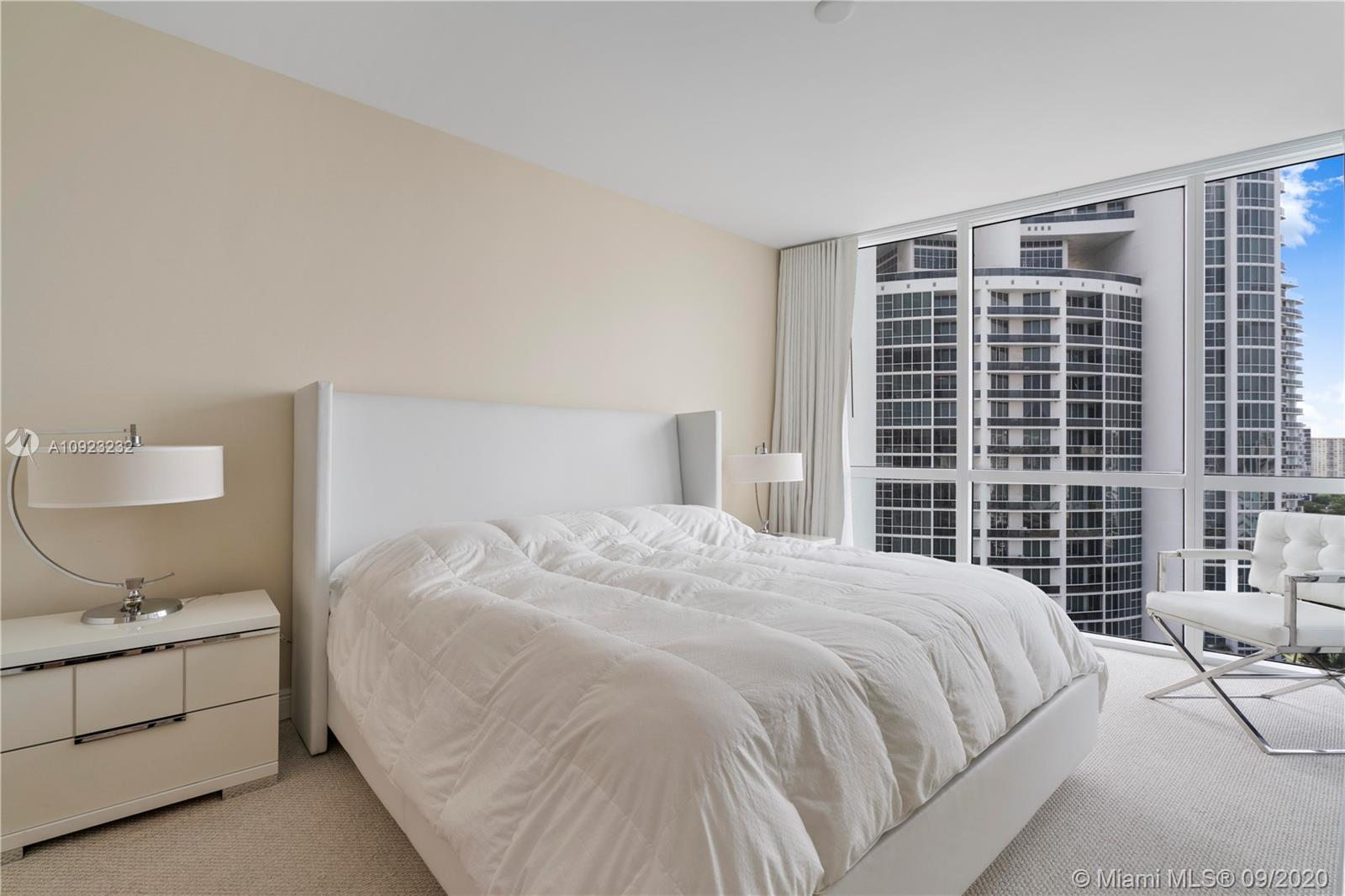 18201 Collins Ave #1407 photo09