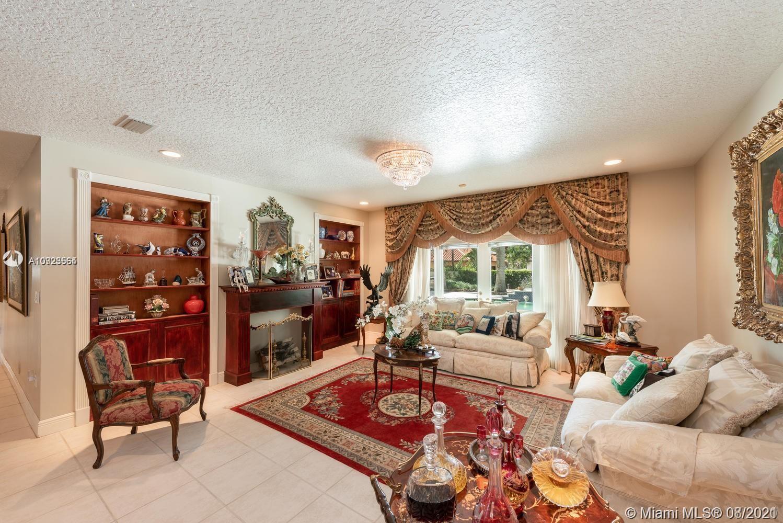Comfortable formal living room!