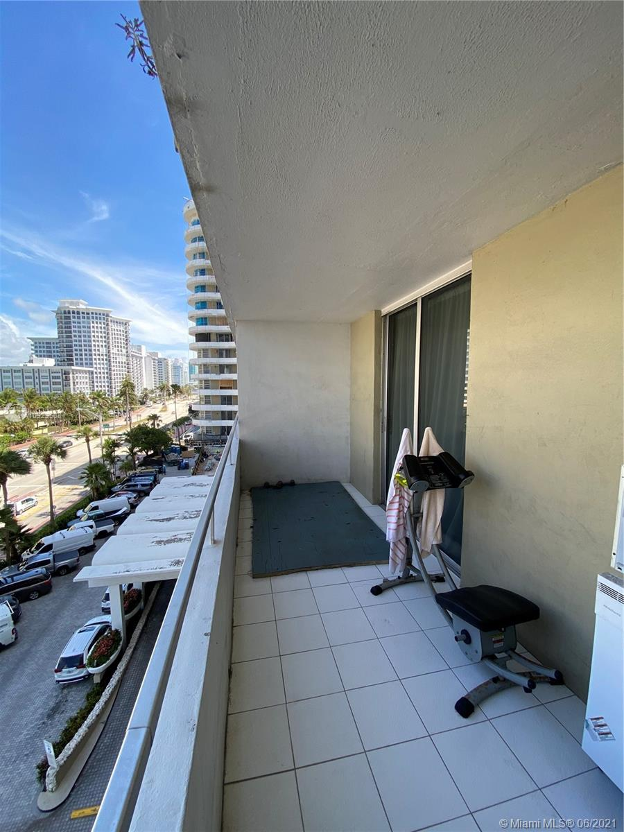 5555 Collins Ave #6T photo024