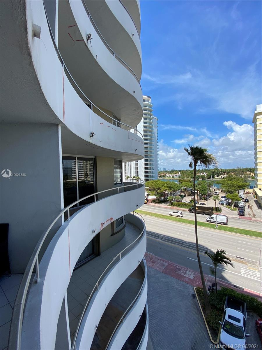 5555 Collins Ave #6T photo021