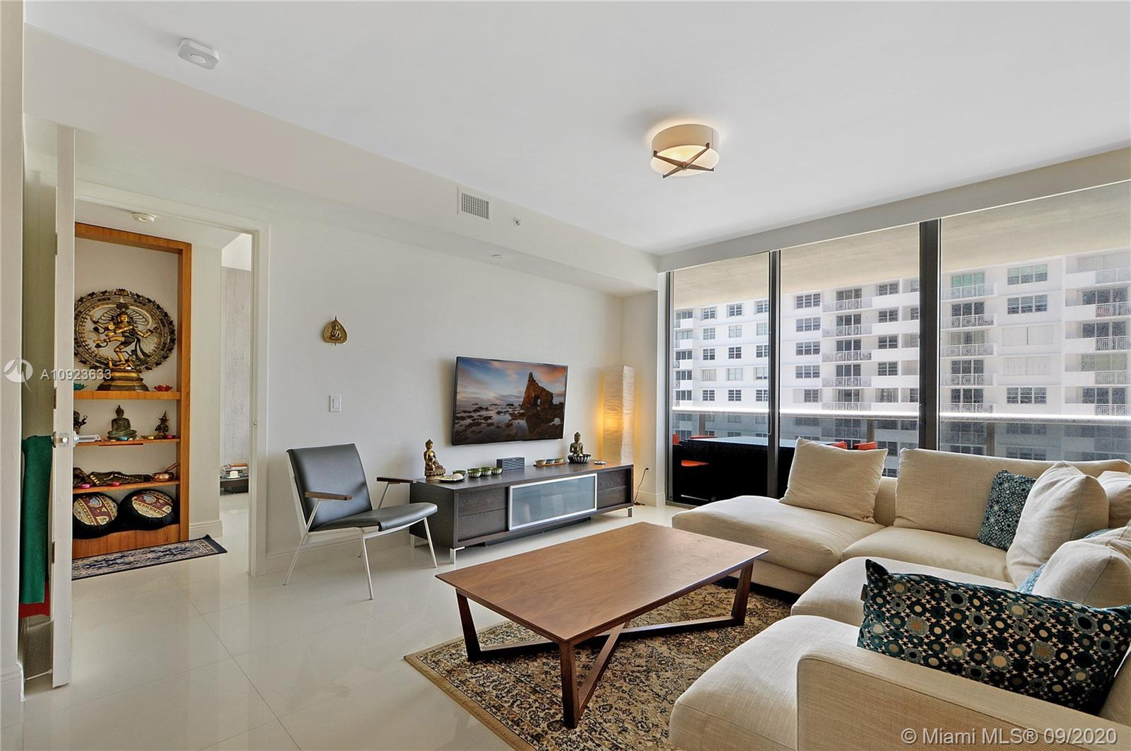 5875 Collins Ave #1106 photo09