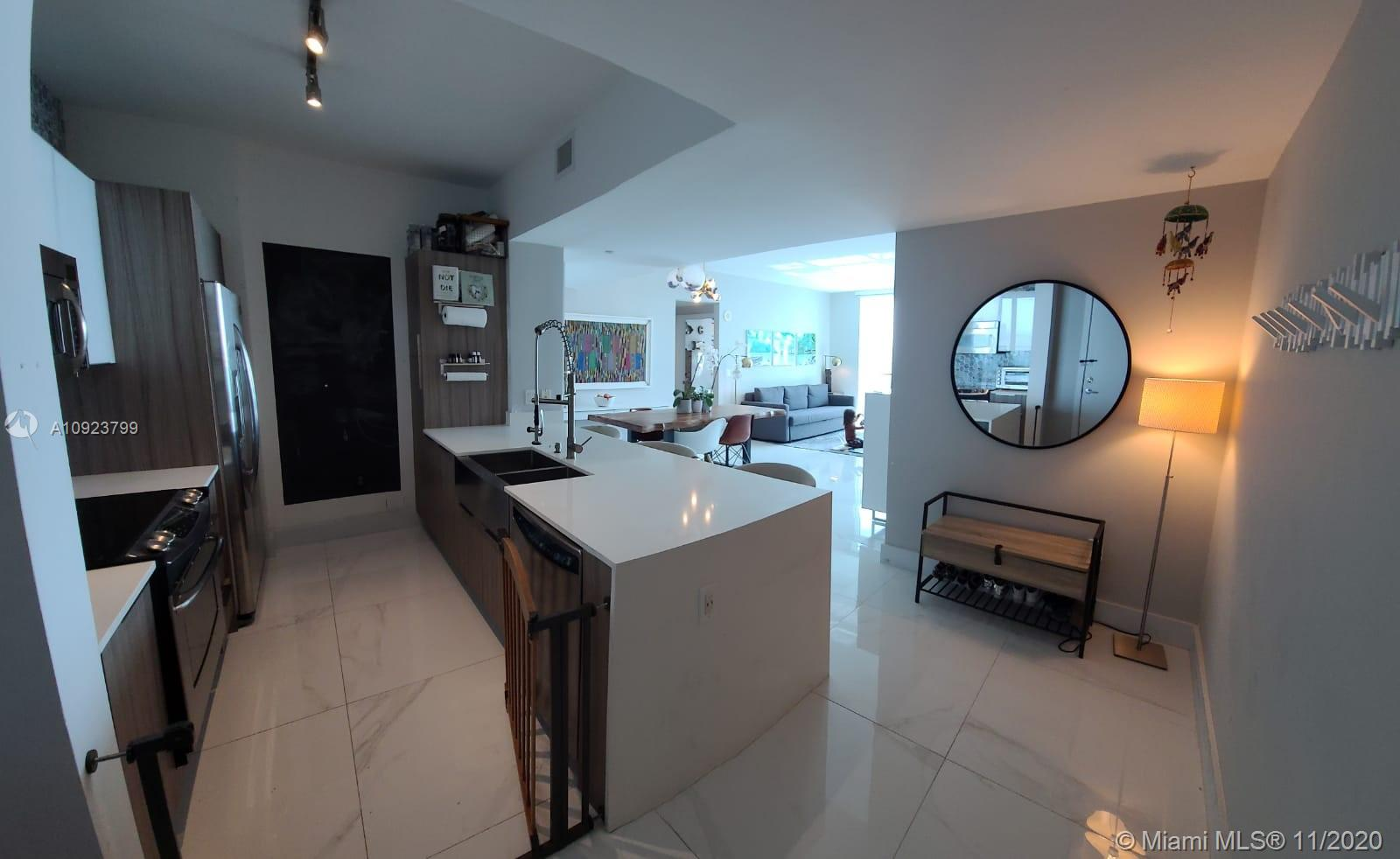 Photo of 951 Brickell Ave #3304 listing for Sale