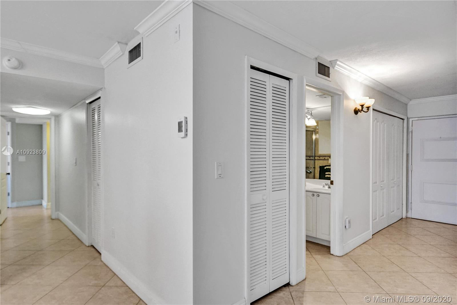 6423 Collins Ave #1201 photo042