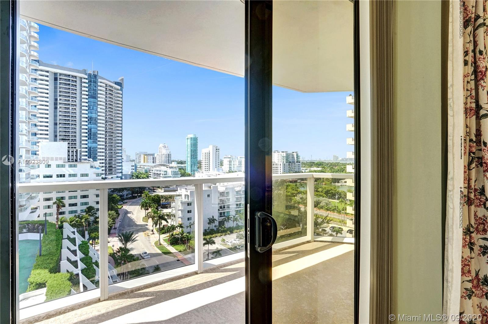 6423 Collins Ave #1201 photo024