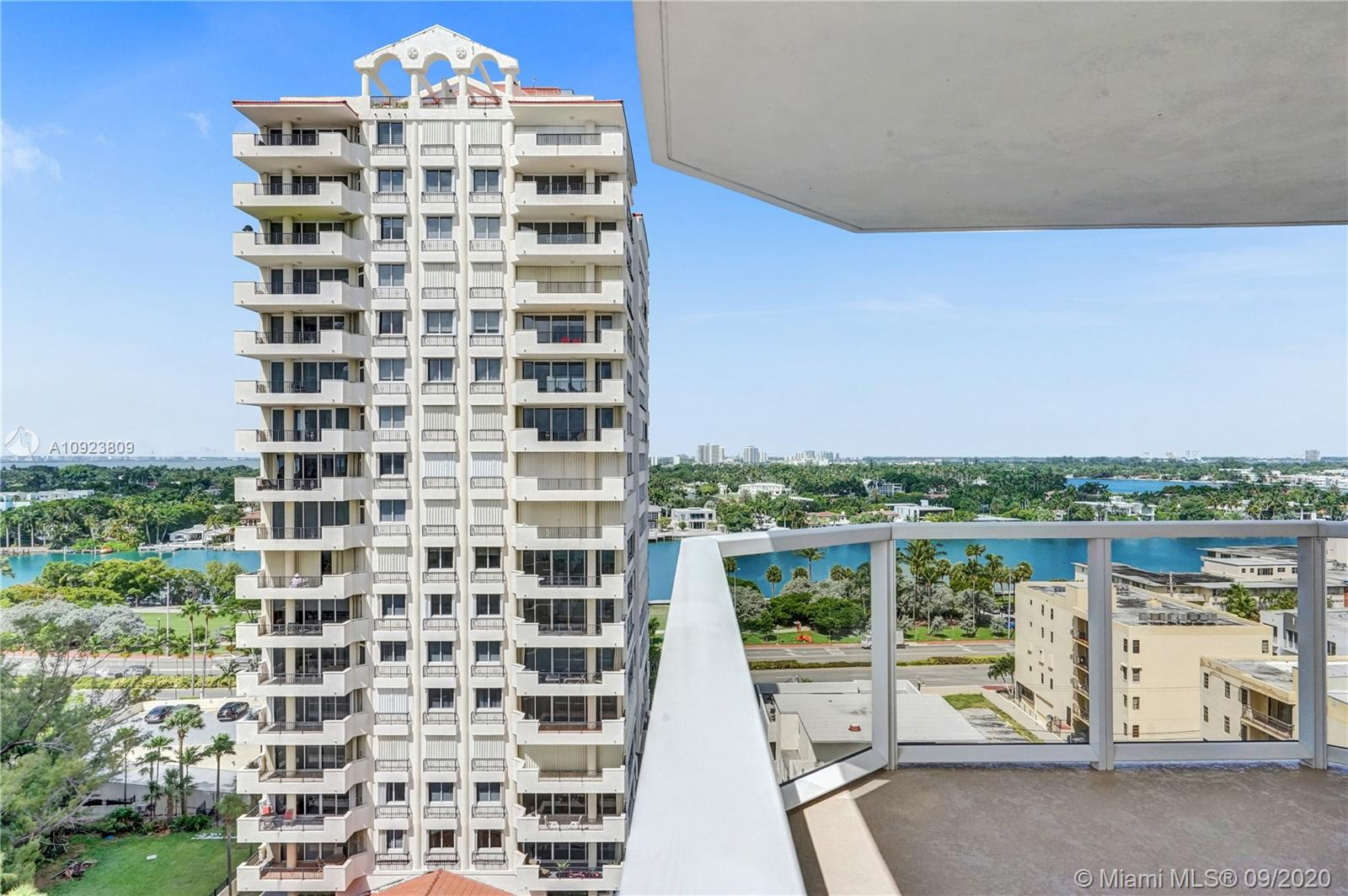 6423 Collins Ave #1201 photo030