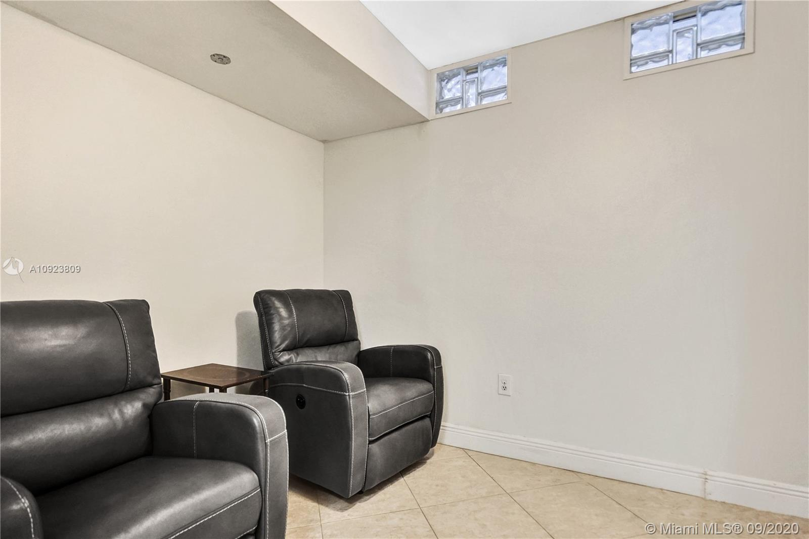 6423 Collins Ave #1201 photo038
