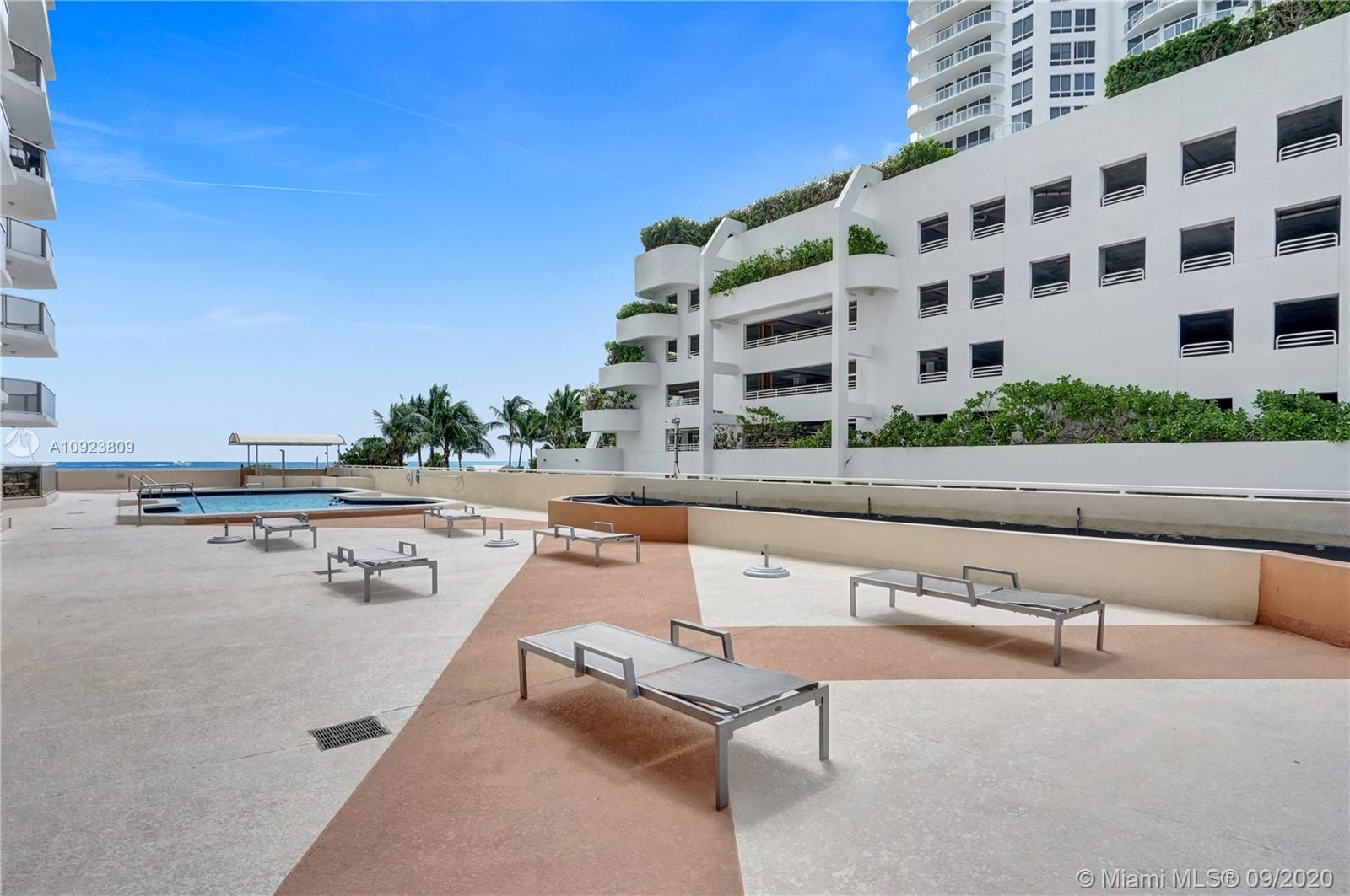 6423 Collins Ave #1201 photo045