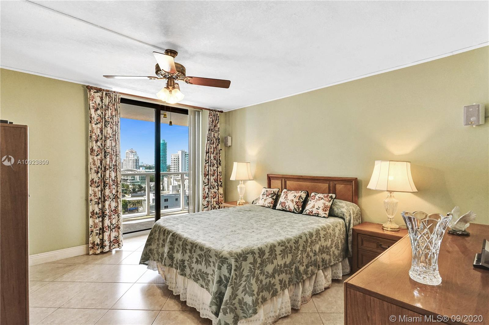 6423 Collins Ave #1201 photo019