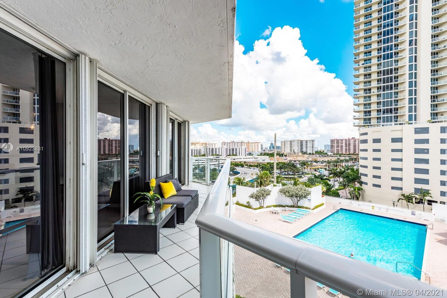 16485 Collins Ave #734 photo027