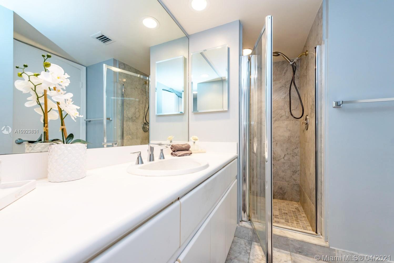 16485 Collins Ave #734 photo024