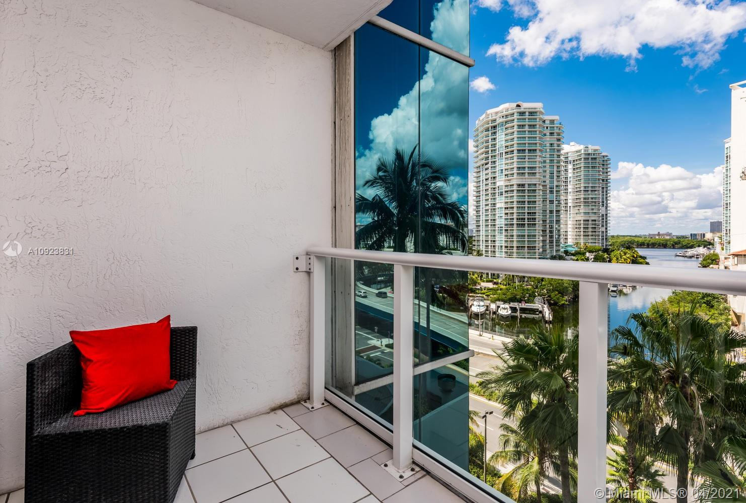 16485 Collins Ave #734 photo041