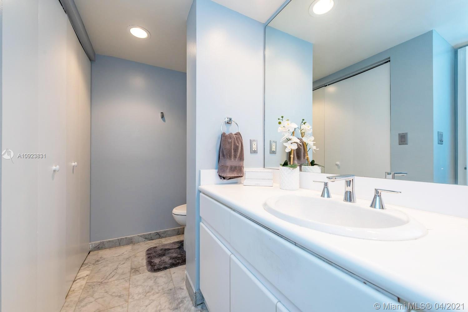 16485 Collins Ave #734 photo025