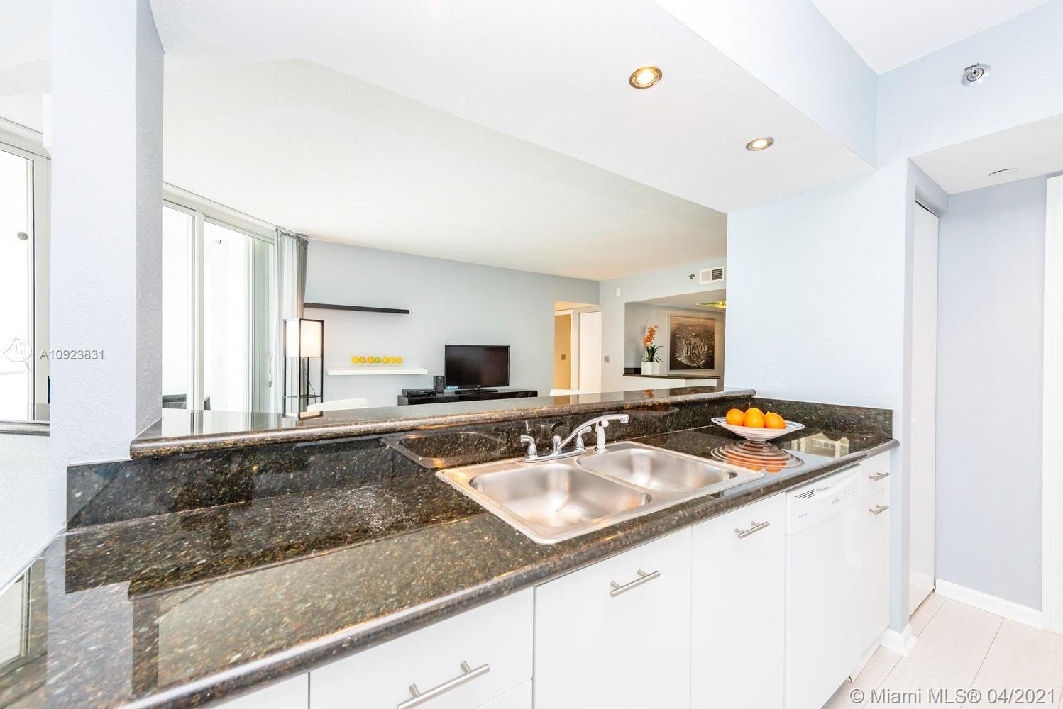 16485 Collins Ave #734 photo021