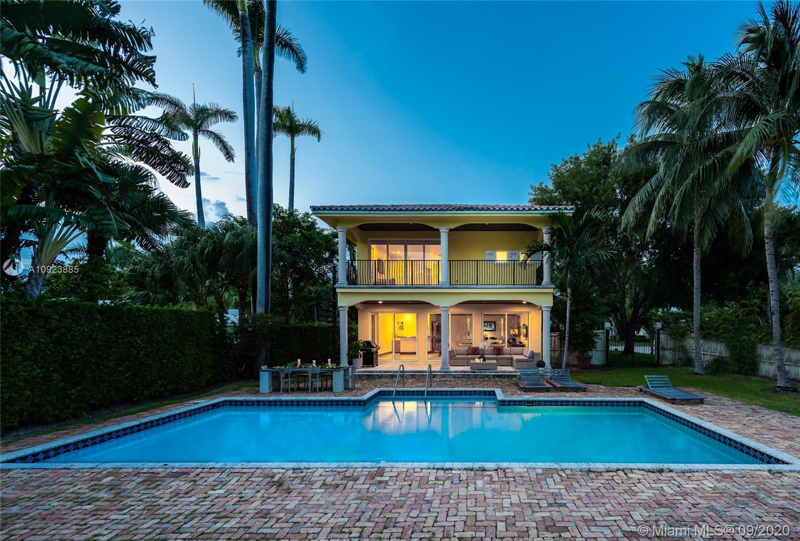 Photo of 2770 Sunset Dr # listing for Sale