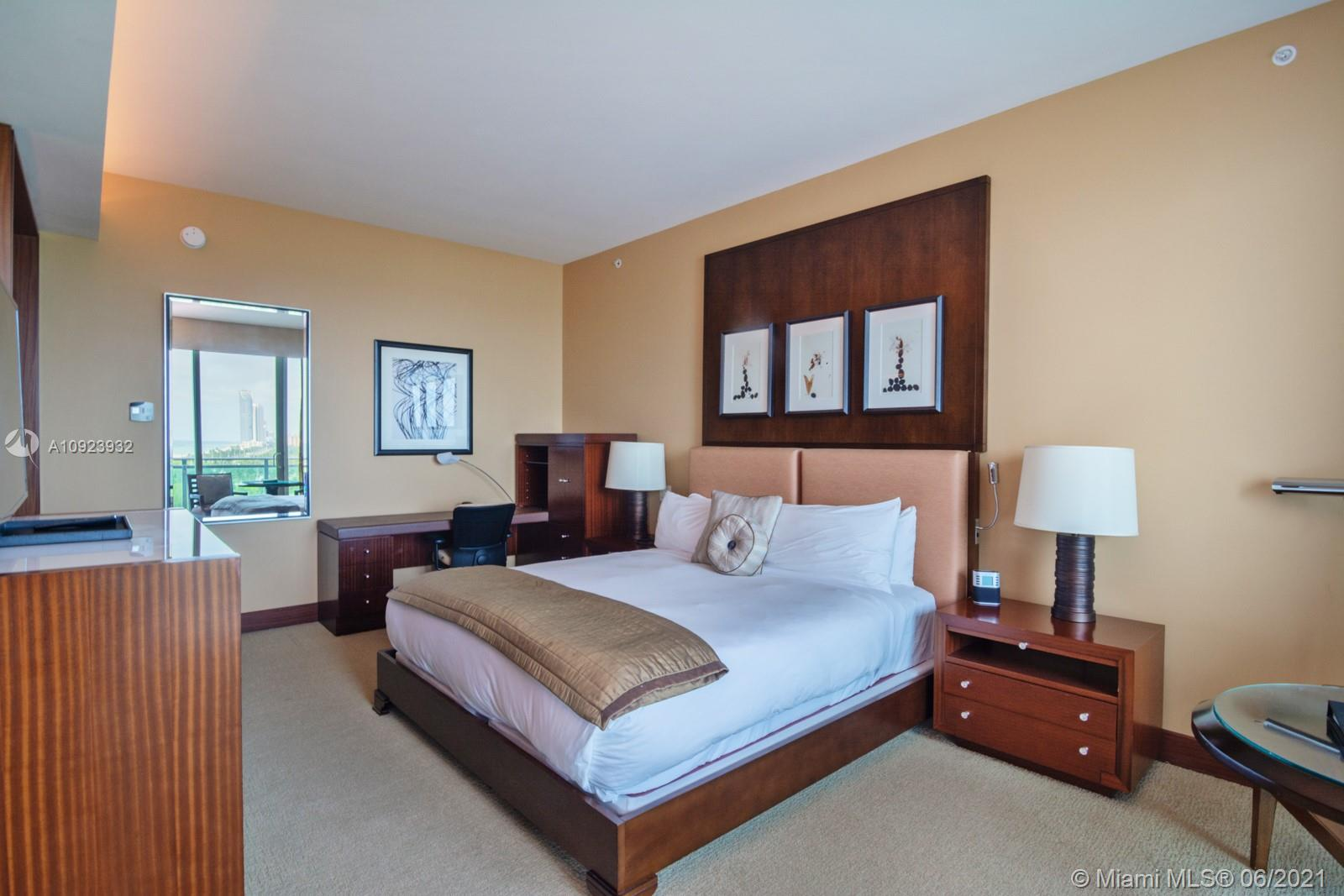 10295 Collins Ave #816 photo05