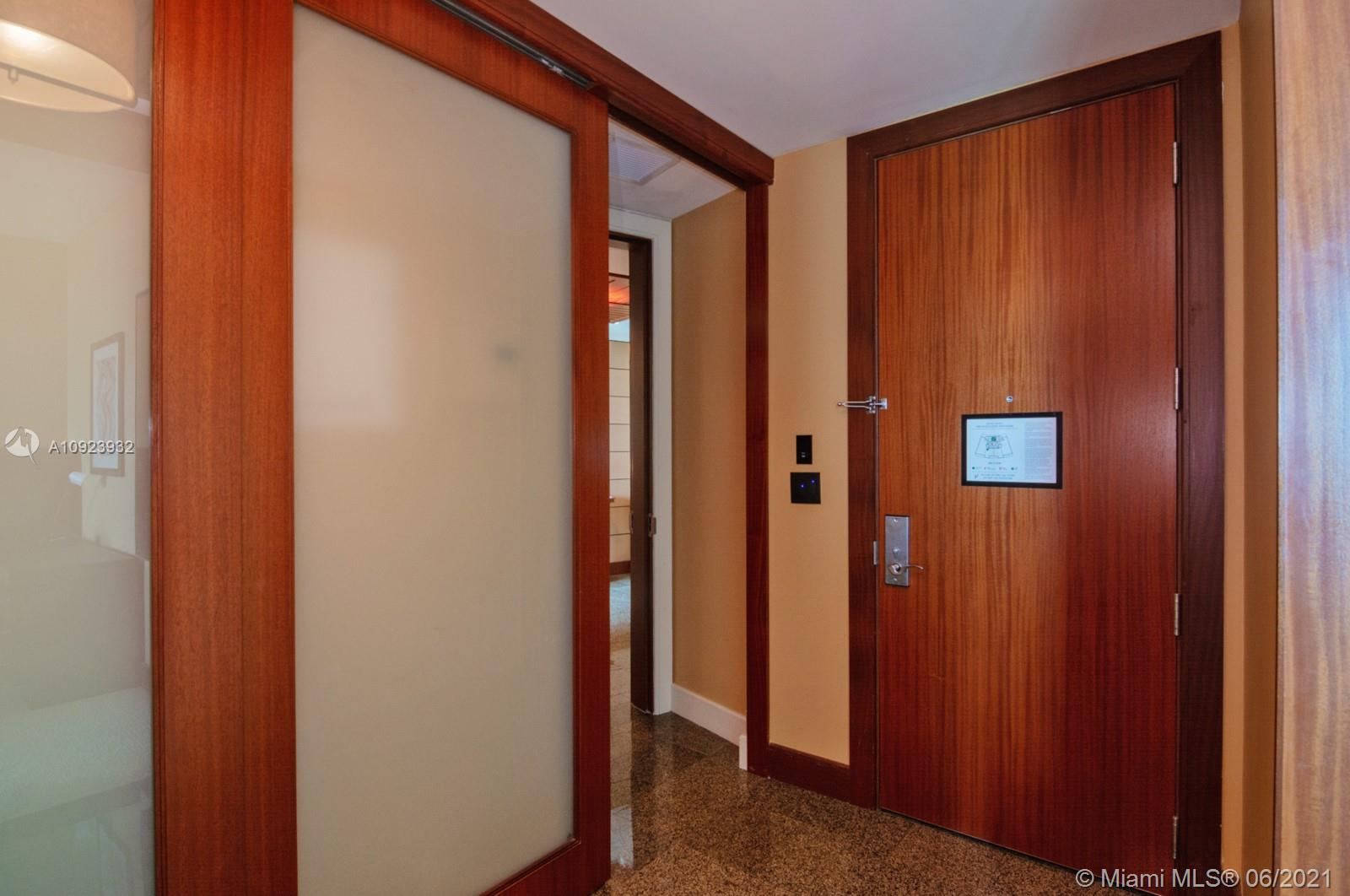 10295 Collins Ave #816 photo014