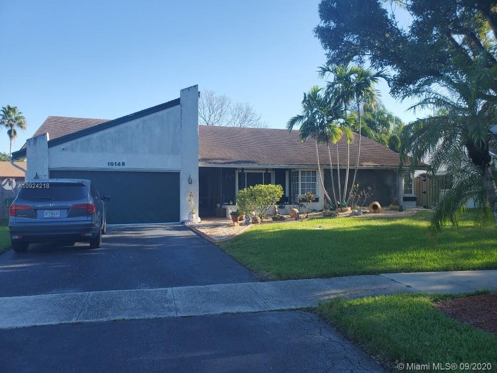 Property for sale at 10148 NW 21st St, Pembroke Pines,  Florida 33026