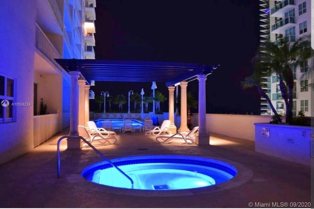 1200 Brickell Bay Dr #2722 photo025