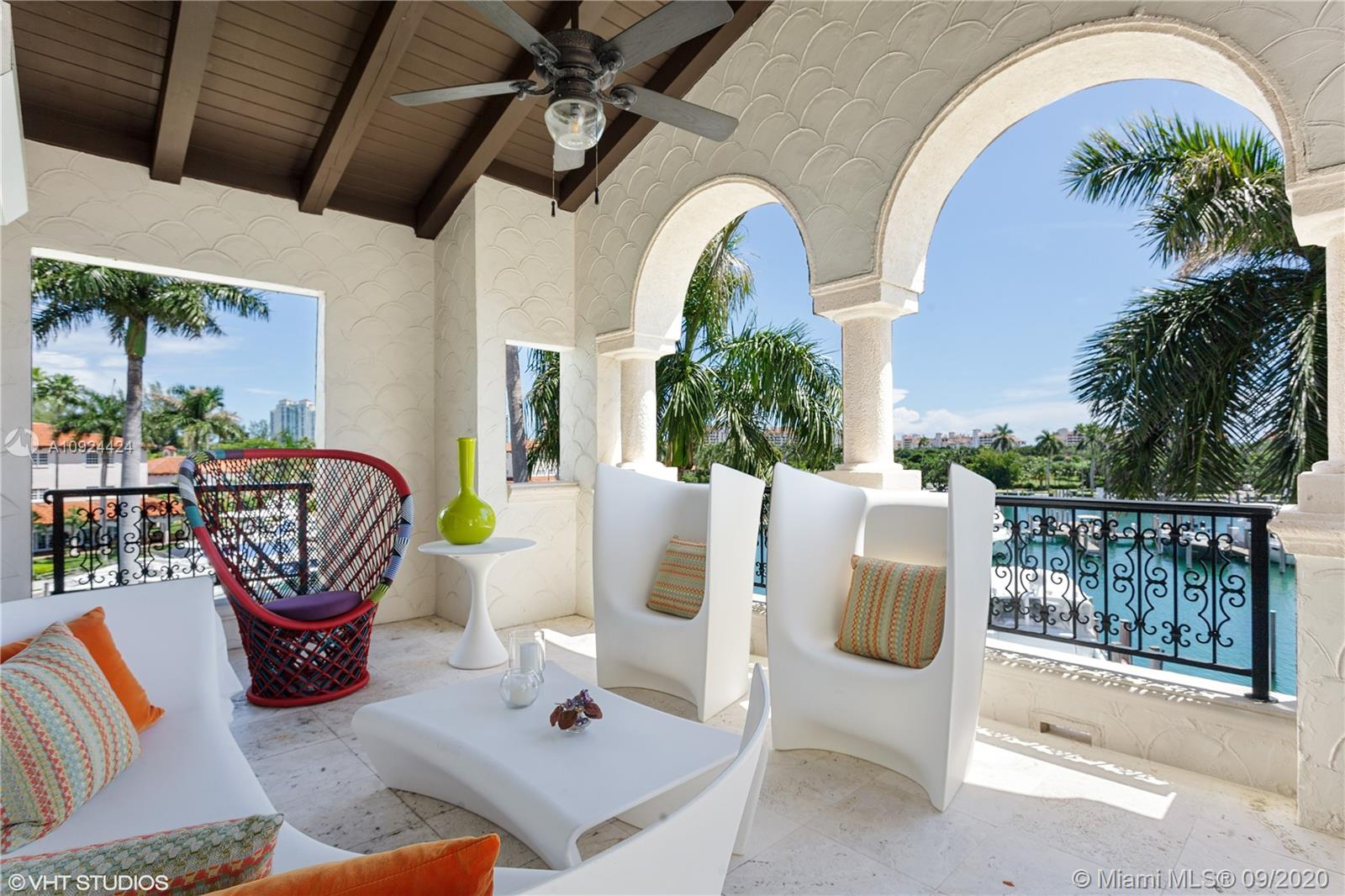 Photo of 4531 Fisher Island Dr #4531 listing for Sale