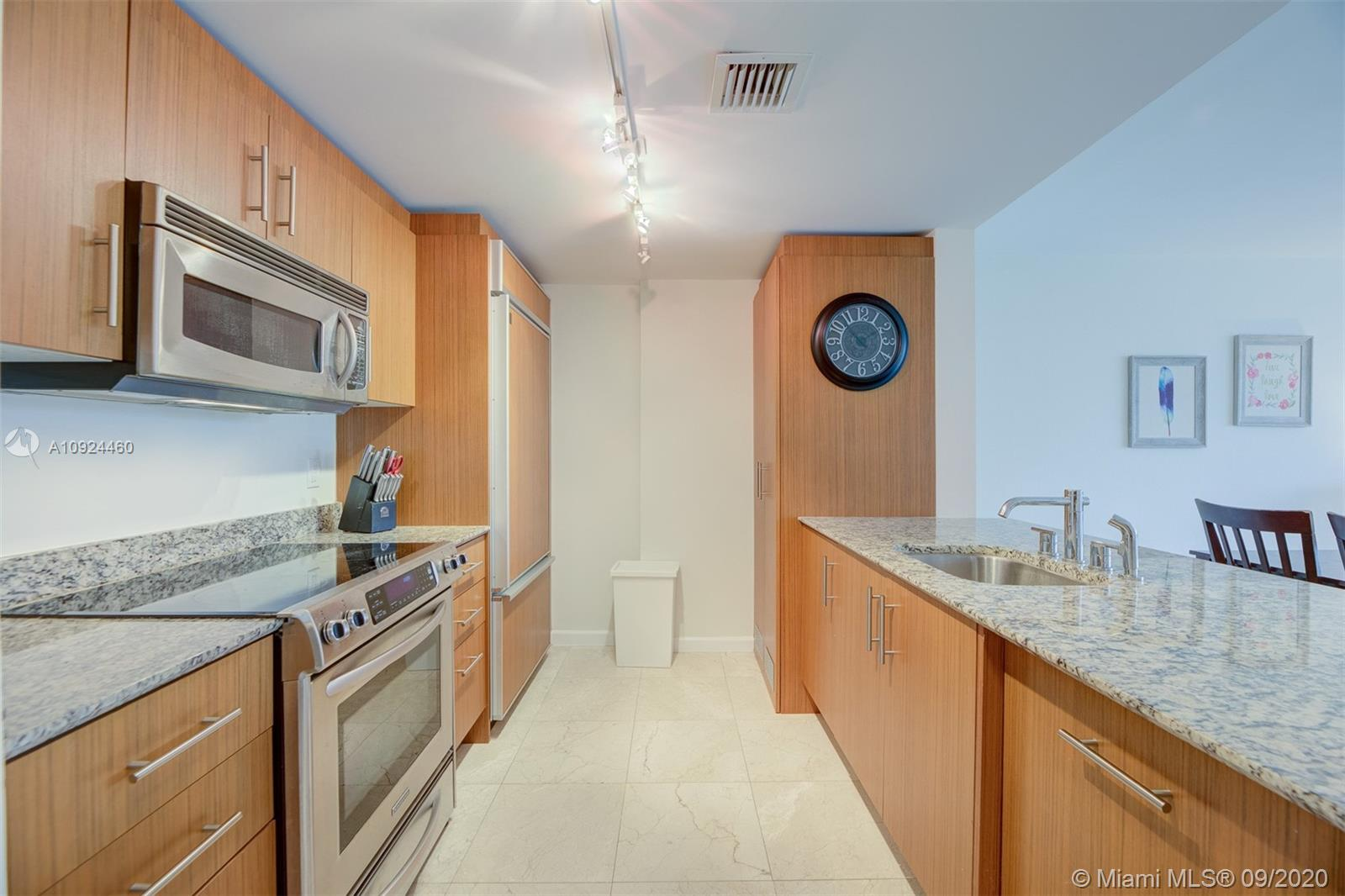 10275 Collins Ave #324 photo014