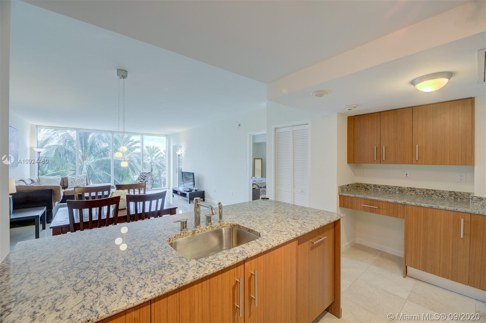 10275 Collins Ave #324 photo011
