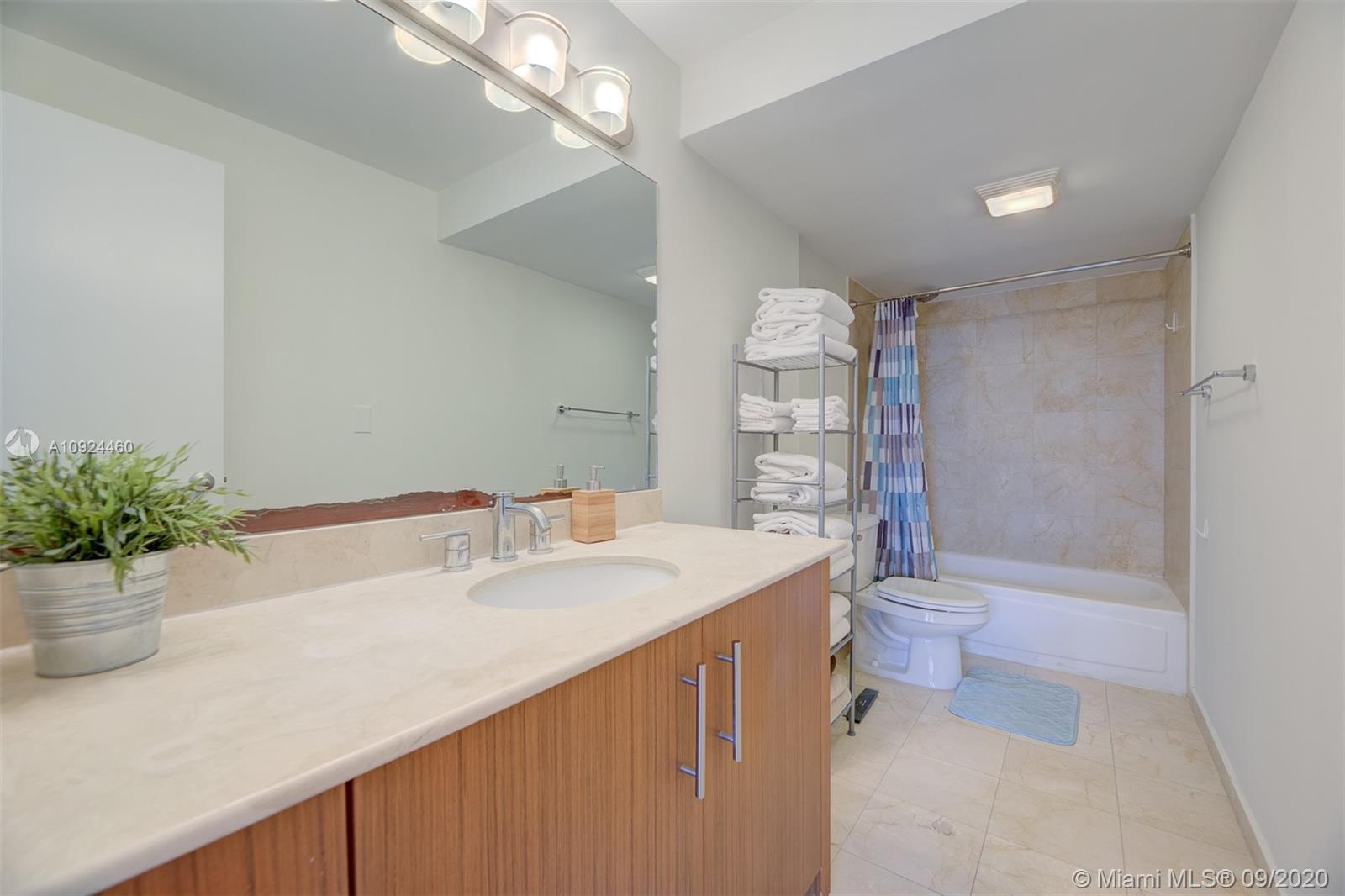 10275 Collins Ave #324 photo019