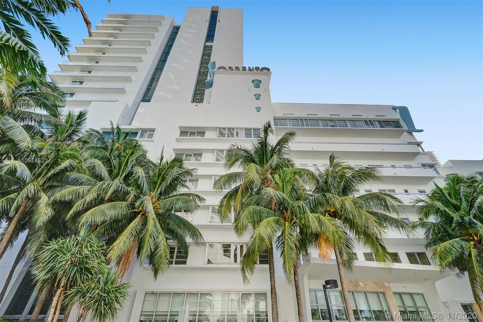4391 COLLINS AVE #1016 photo032