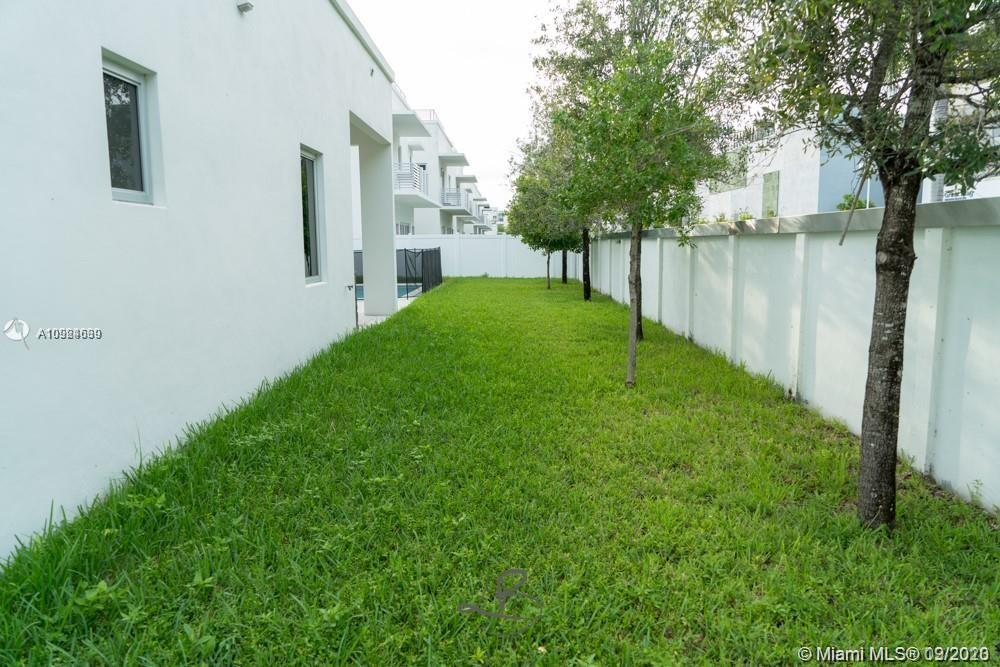 8231 NW 34 th Dr photo031