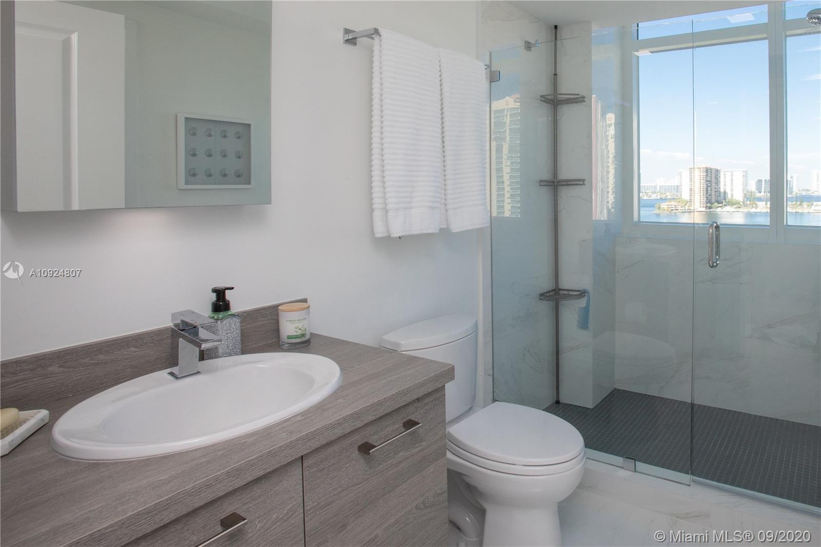 400 Sunny Isles Blvd #1118 photo032
