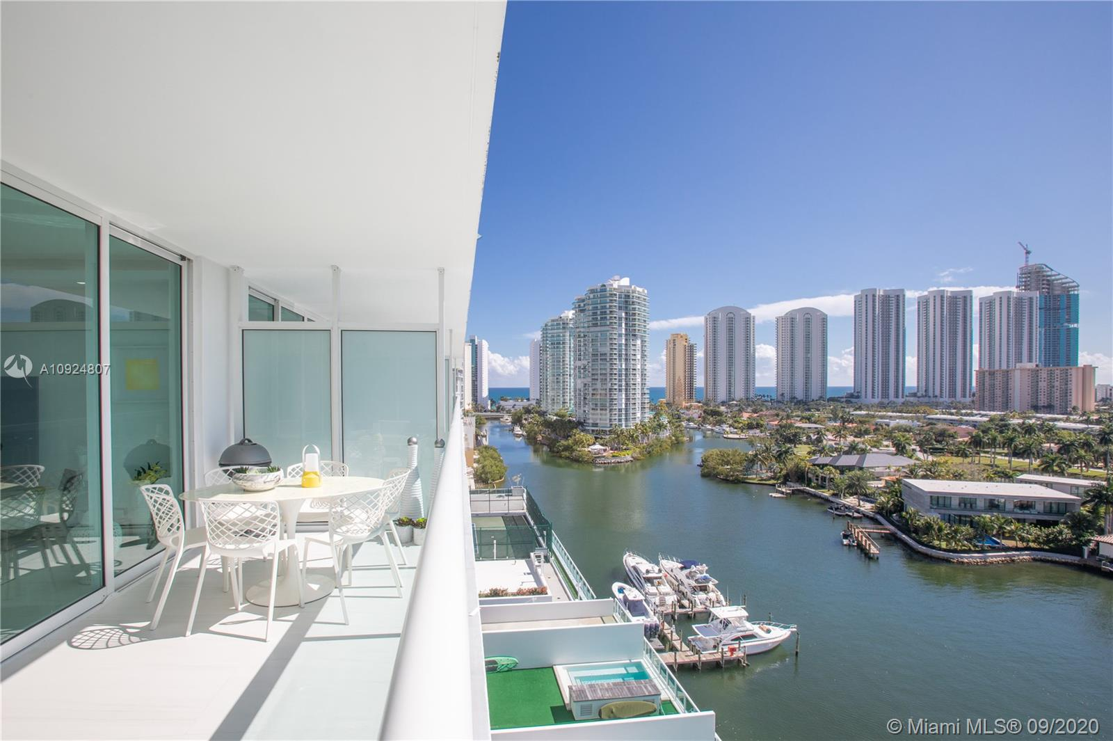 400 Sunny Isles Blvd #1118 photo01