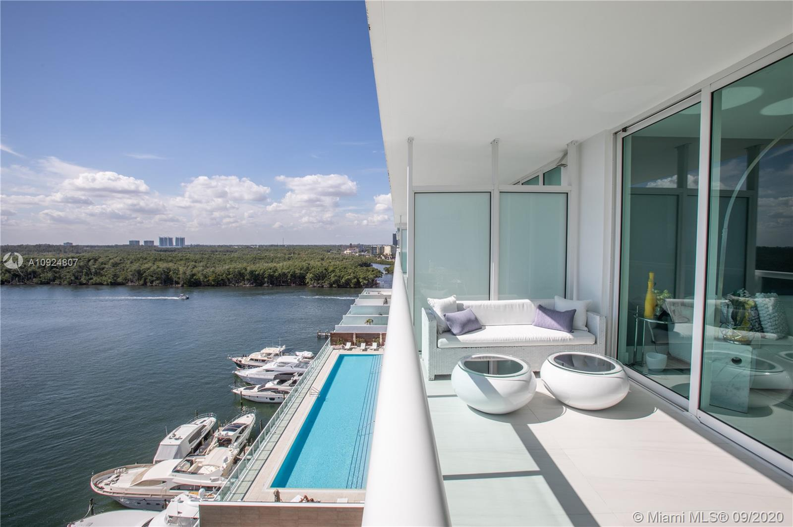 400 Sunny Isles Blvd #1118 photo010