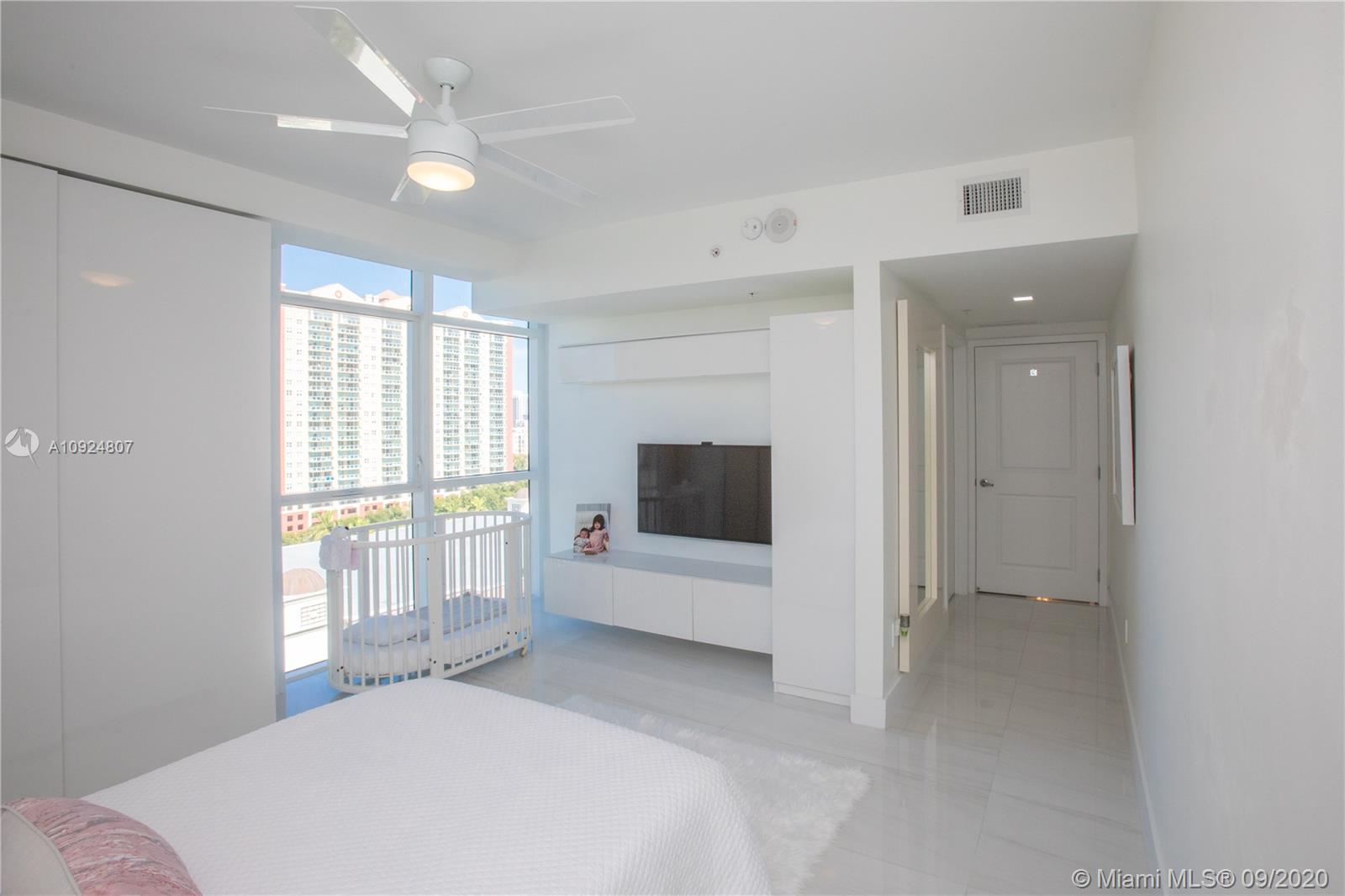400 Sunny Isles Blvd #1118 photo040