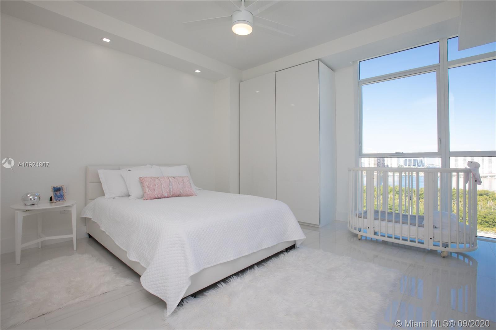 400 Sunny Isles Blvd #1118 photo035