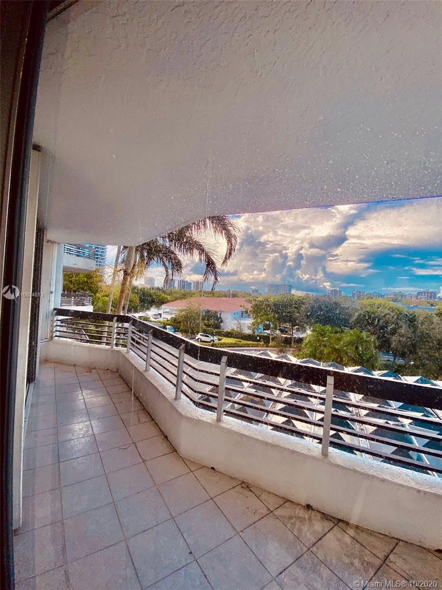 Photo of 3530 Mystic Pointe Dr #407 listing for Sale