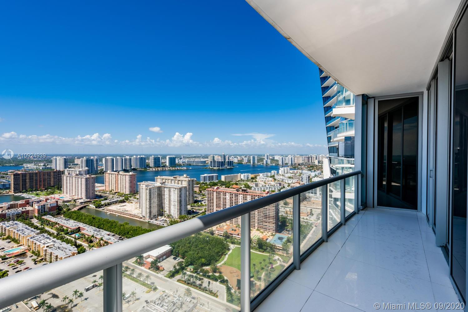 17121 Collins Ave #4301 photo045