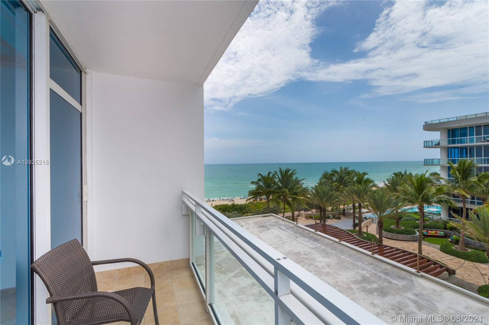 6801 Collins Ave #410 photo02