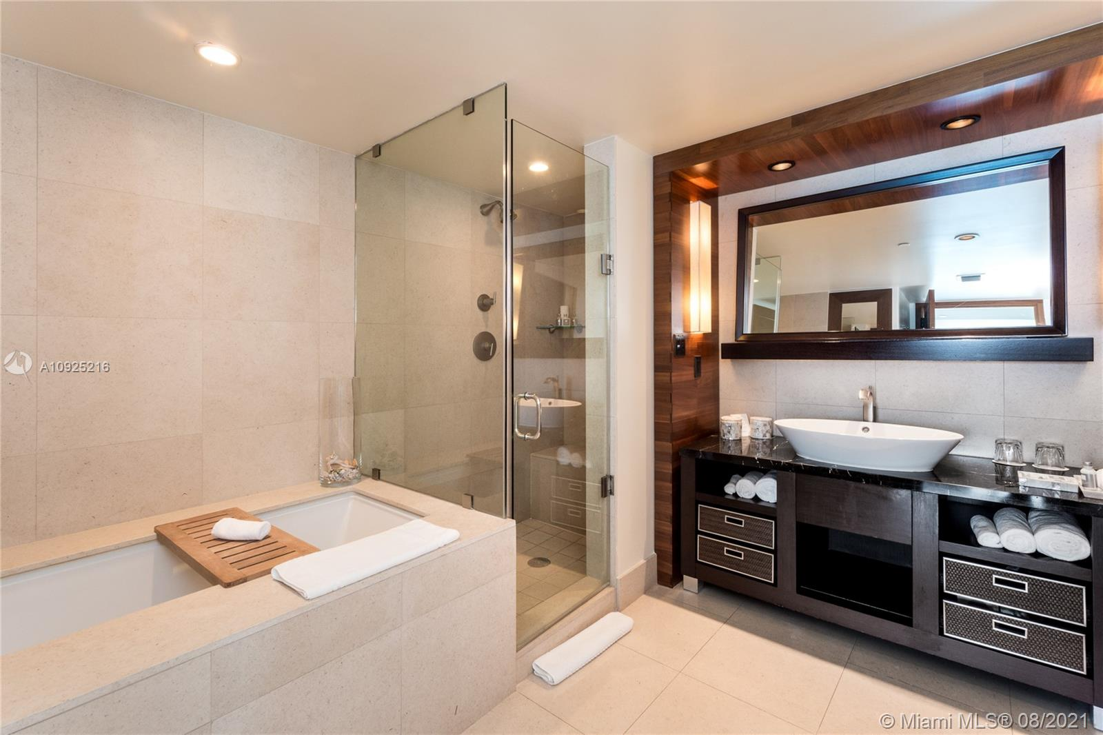 6801 Collins Ave #410 photo011