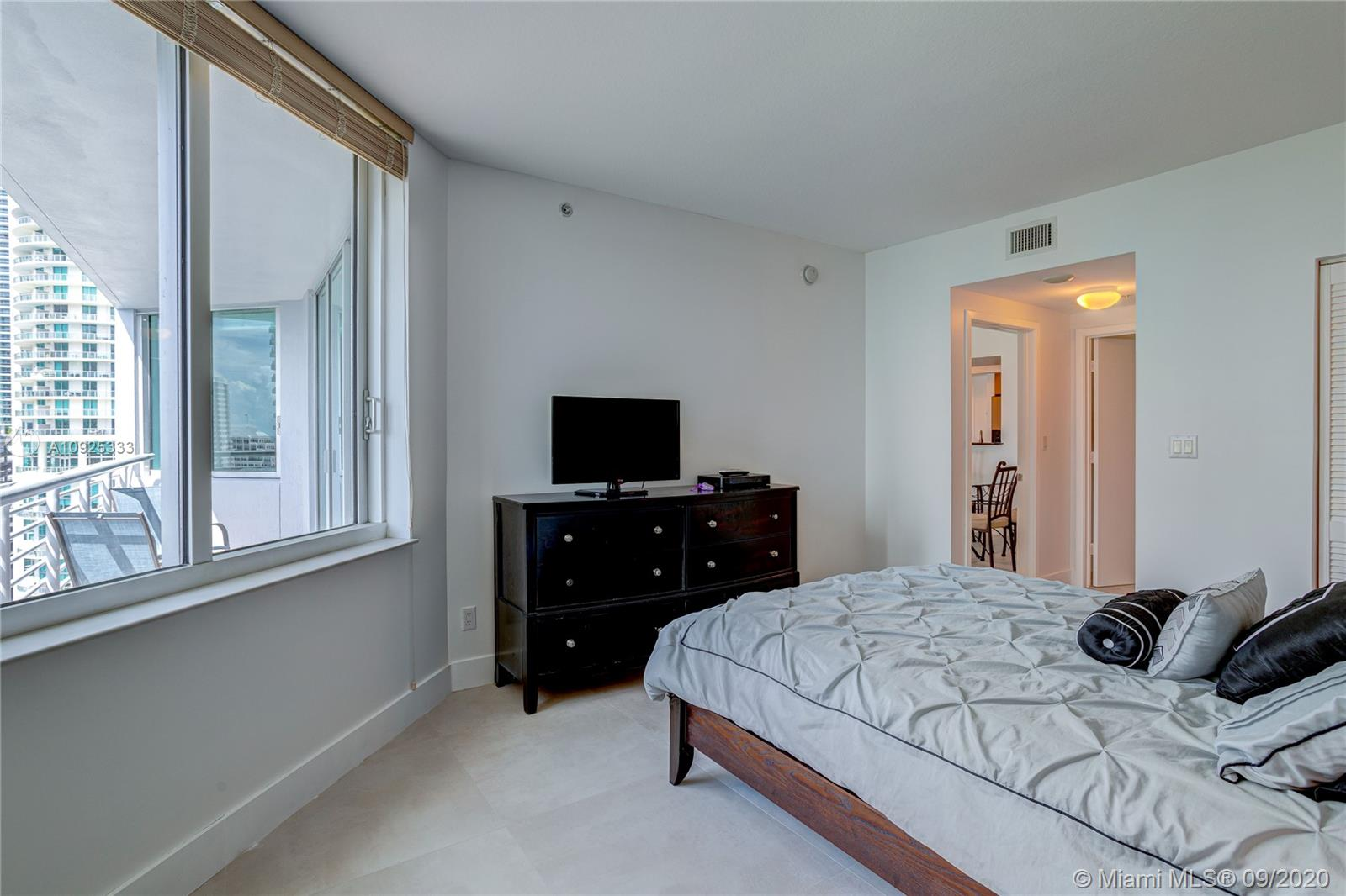 325 S Biscayne Blvd #1821 photo023