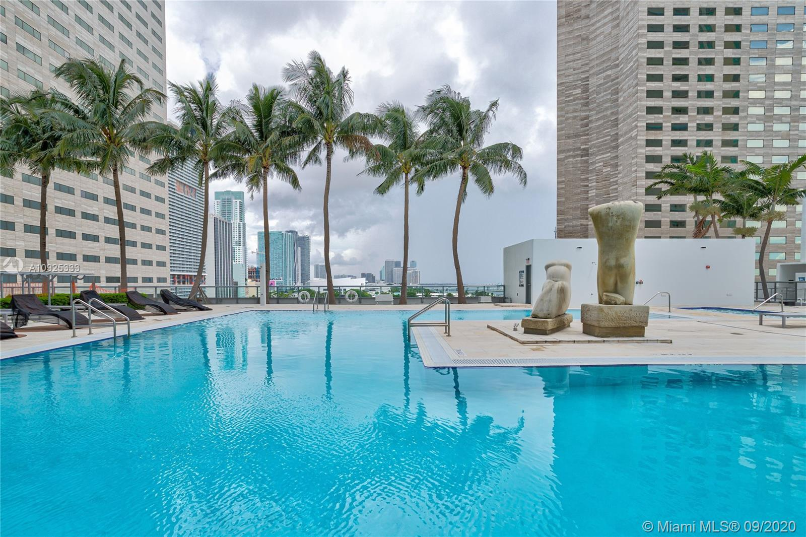 325 S Biscayne Blvd #1821 photo056