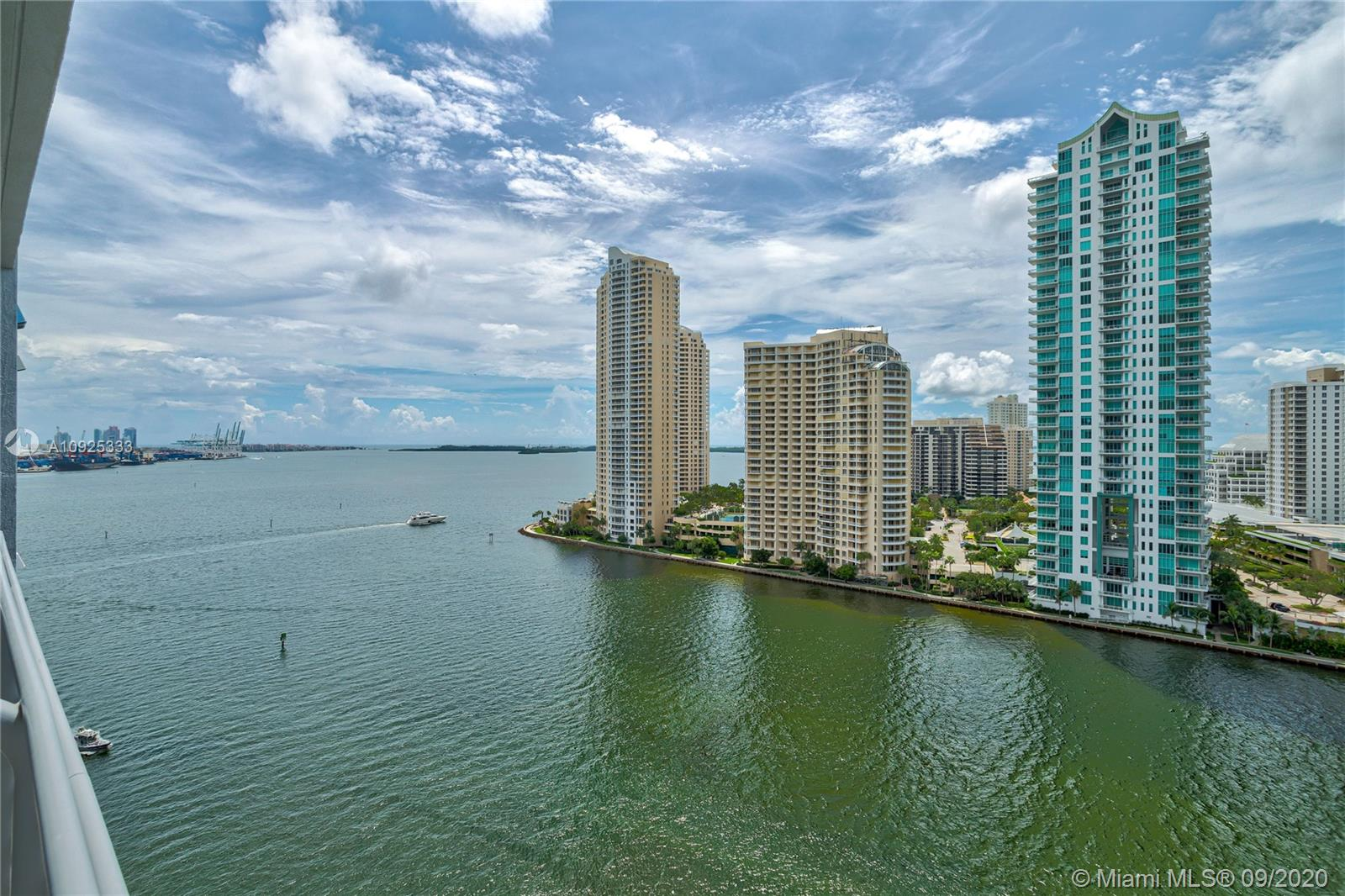 325 S Biscayne Blvd #1821 photo042
