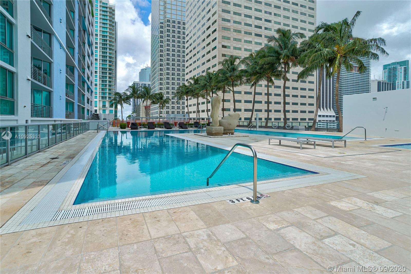 325 S Biscayne Blvd #1821 photo053