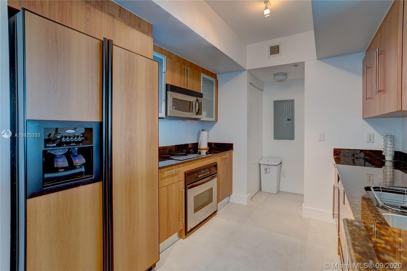 325 S Biscayne Blvd #1821 photo07