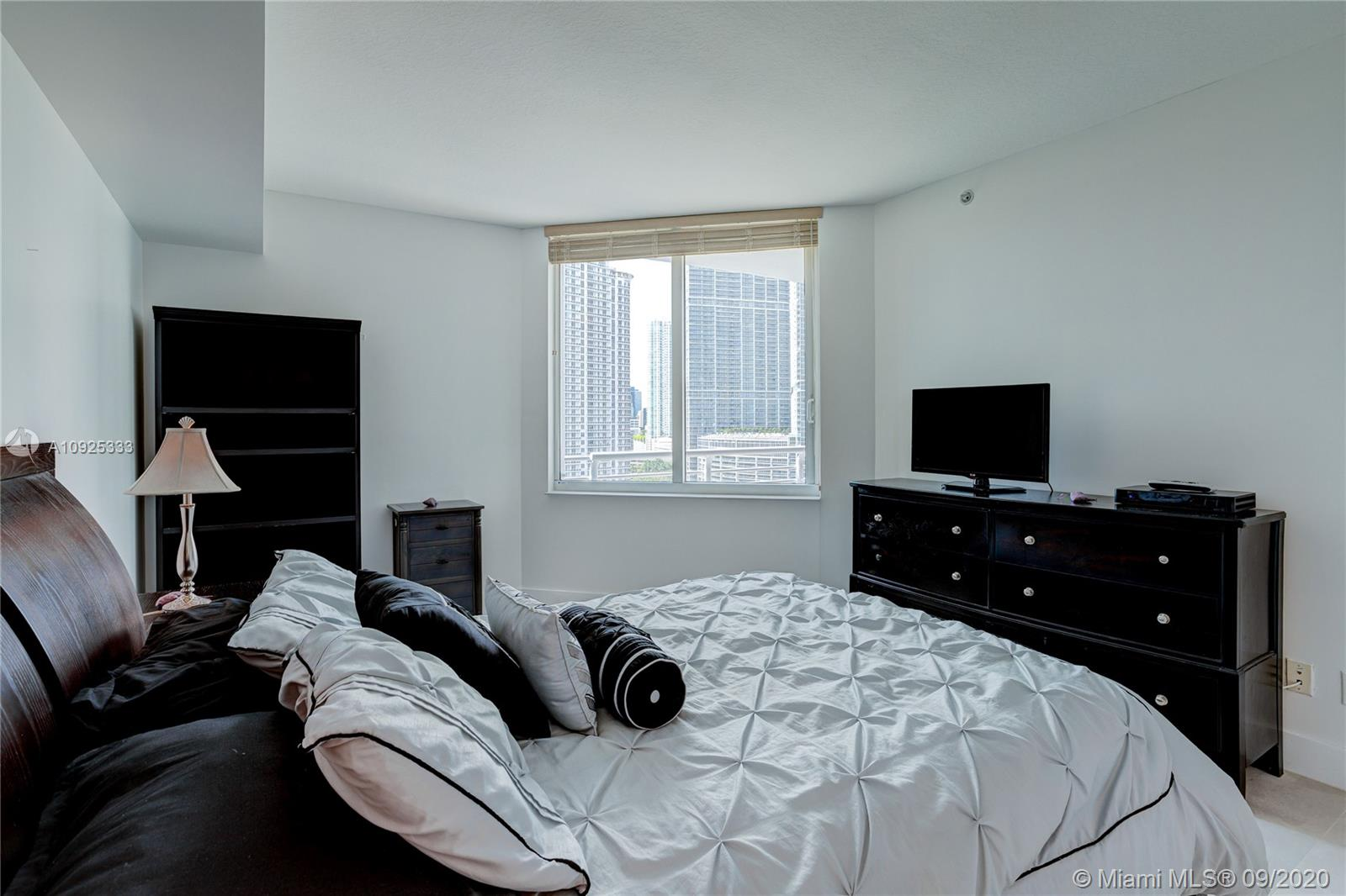 325 S Biscayne Blvd #1821 photo024