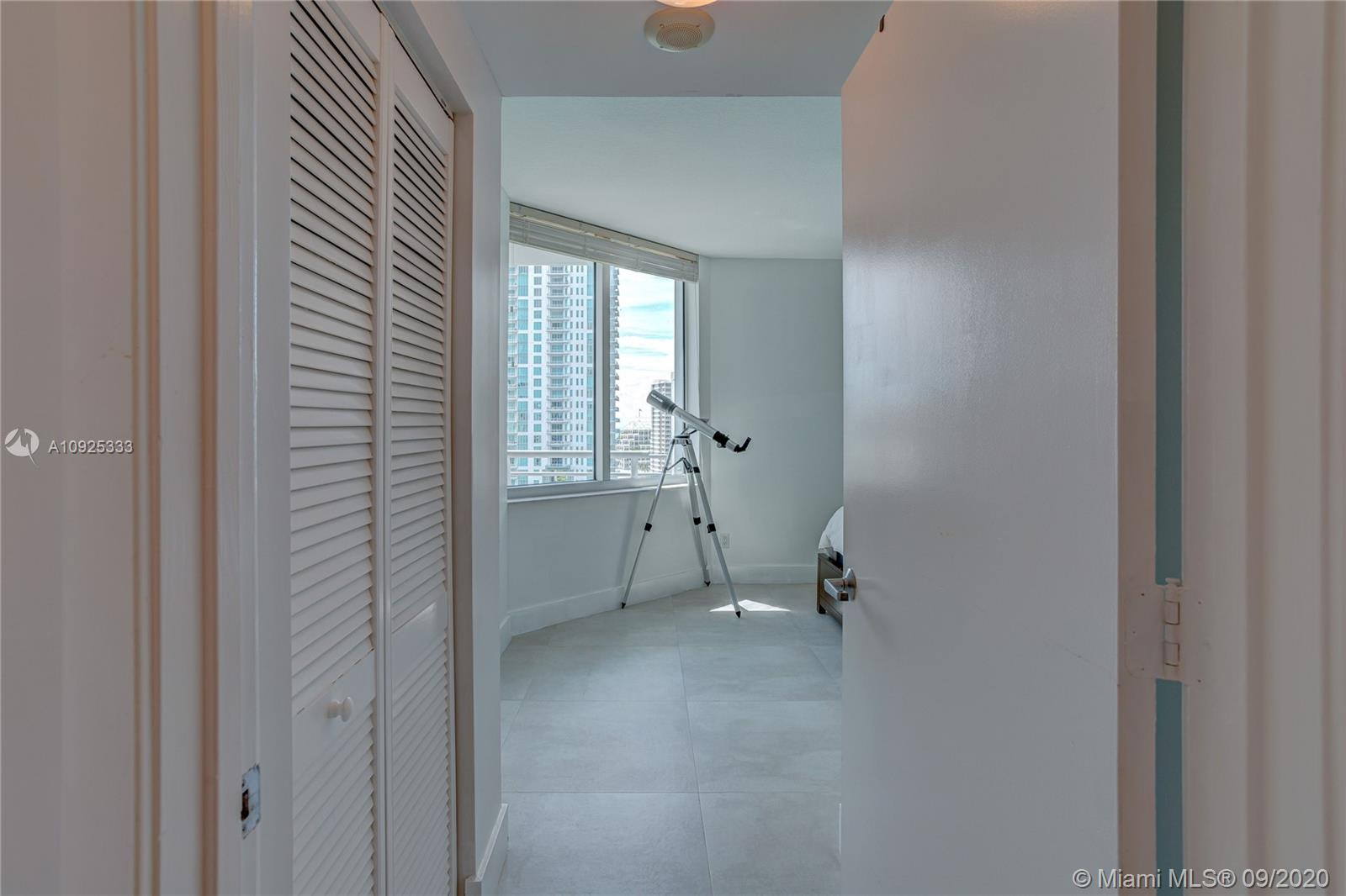 325 S Biscayne Blvd #1821 photo030
