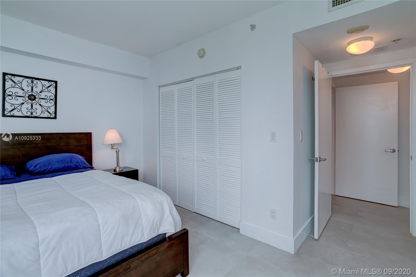 325 S Biscayne Blvd #1821 photo033