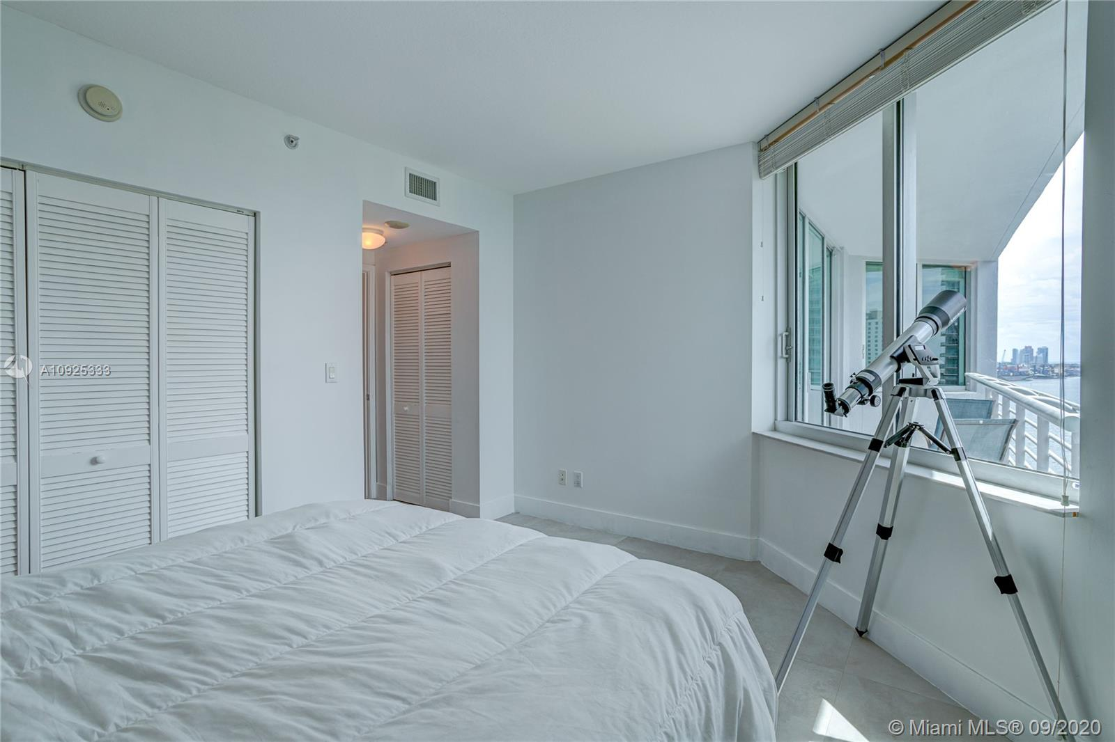 325 S Biscayne Blvd #1821 photo035